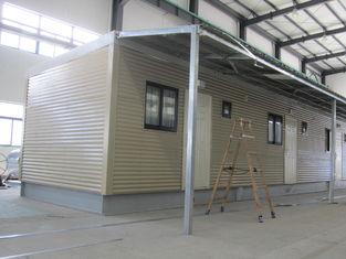 China Volledig Verfraaid Gebeëindigd Stapelbedgeprefabriceerd huis/Gele Eigentijdse Modulaire Huizen leverancier
